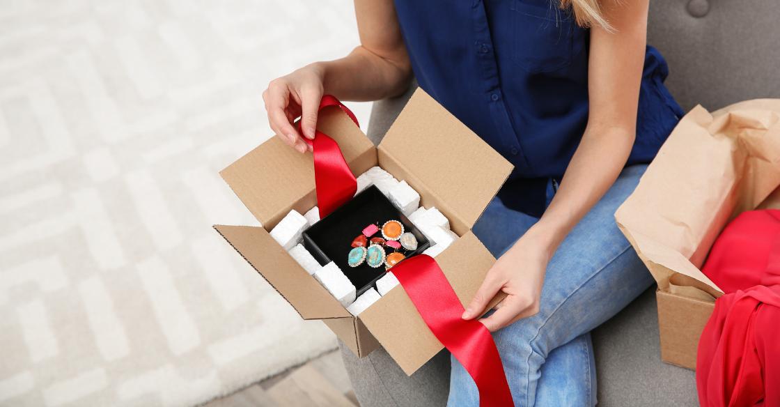 international jewelry shipping